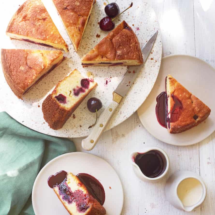 Ricotta and cherry cake.