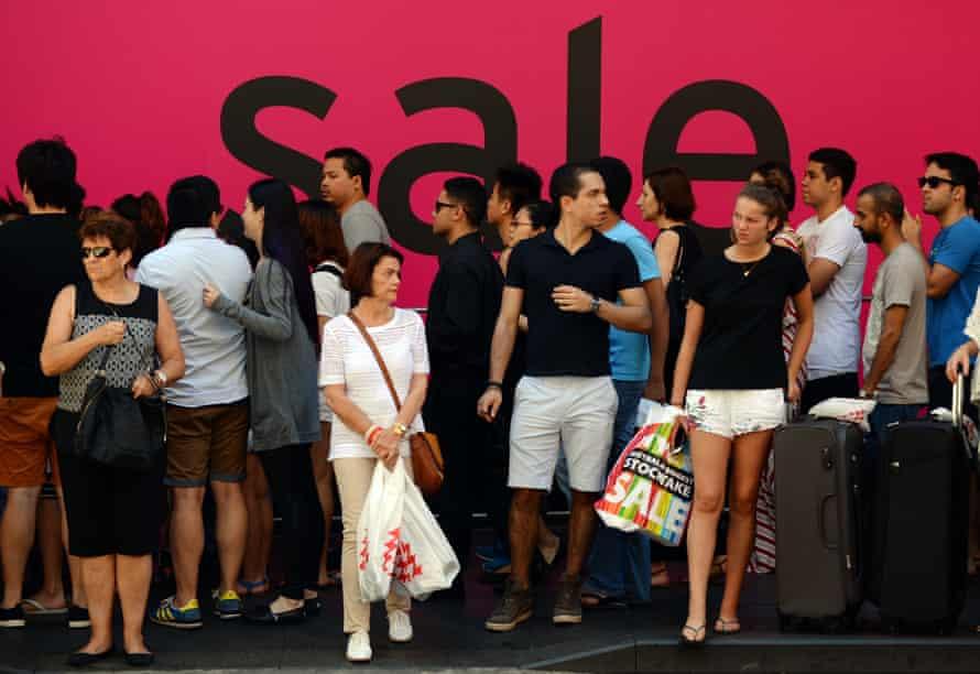 Shoppers in Sydney's CBD