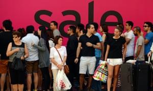 Shoppers in Sydney CBD