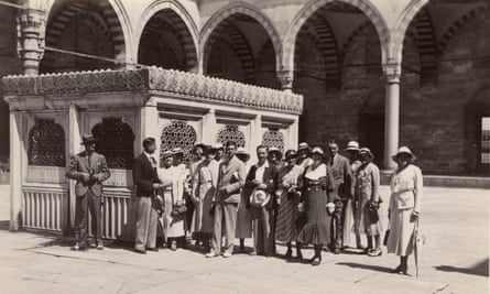 Courtyard of the Ayasofya with visiting tourist group. Date: circa 1930s.