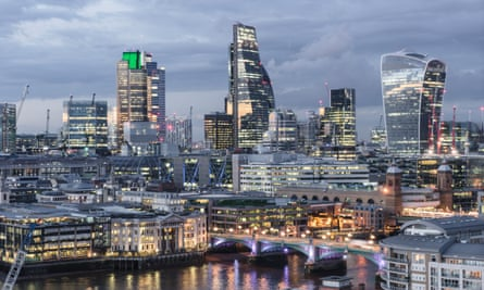 London financial district at night