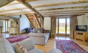 Birdsong Barn, Guestling