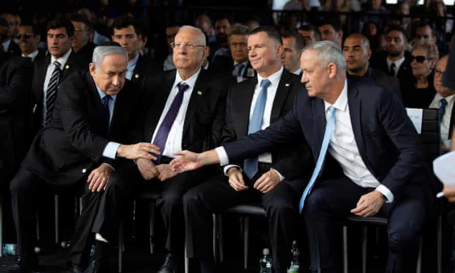 The coronavirus pandemic added urgency to breaking the stalemate between Netanyahu (left) and Gantz (right).