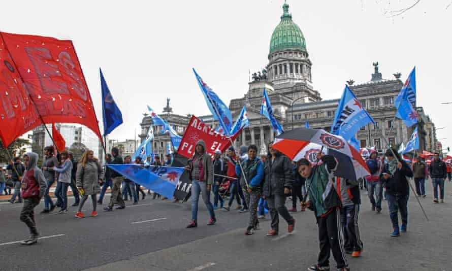 Protesters in Buenos Aires mount roadblocks in a 'federal march' against economic policies adopted by the government of Mauricio Macri.