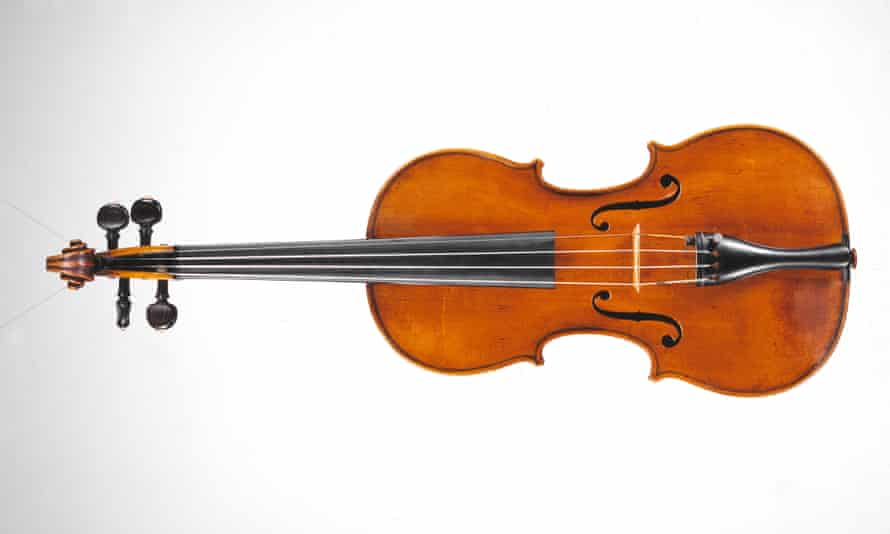 A David Tecchler violin