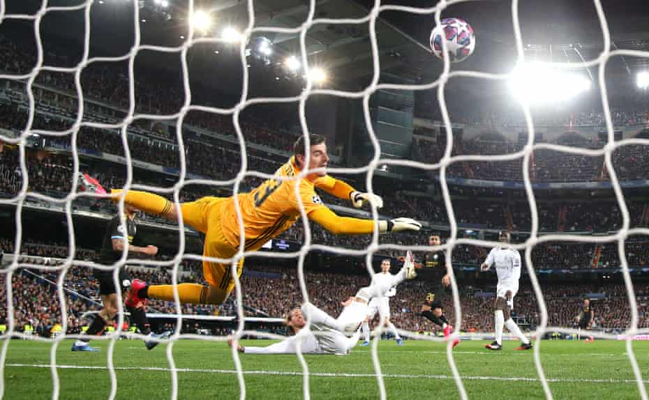 Gabriel Jesus scores Manchester City's first goal.