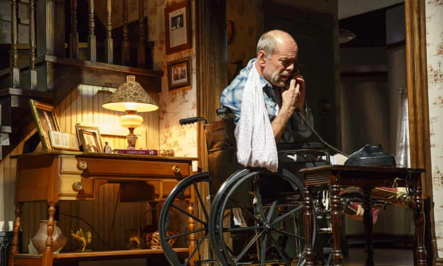 Bruce Willis portrays Paul Sheldon during a performance of Misery