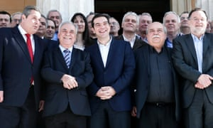 Tsipras and his ministers pose for a group photo