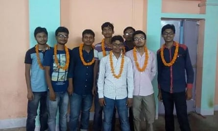 Patotoli students who have passed the entrance examination at the Indian Institute of Technology.