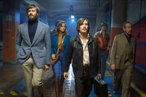 Armie Hammer, Brie Larson, Cillian Murphy, Sam Riley and Michael Smiley in Free Fire.