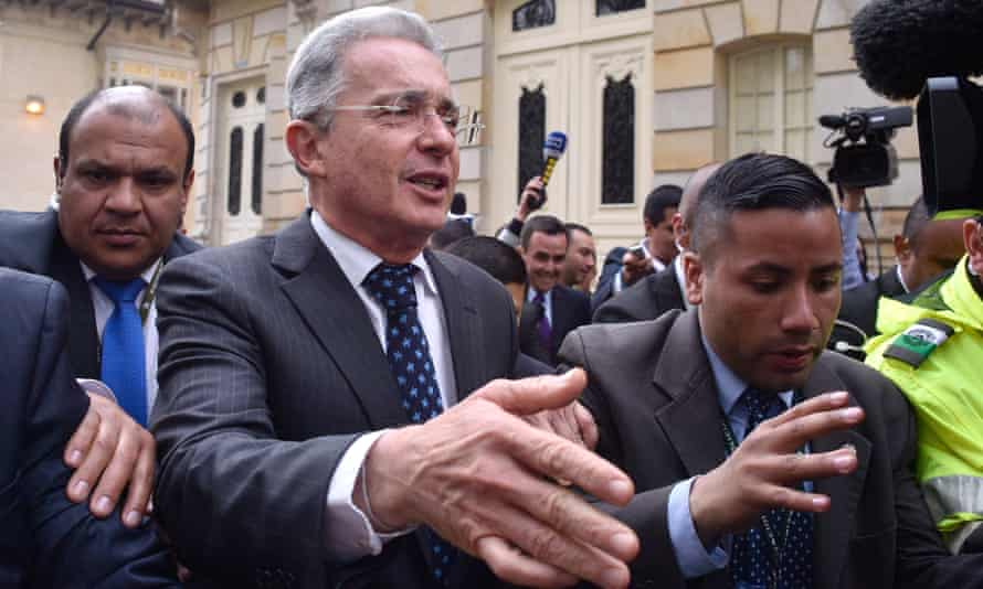 Alvaro Uribe leaves a meeting with President Santos after the peace deal, which he had campaigned against, was rejected.