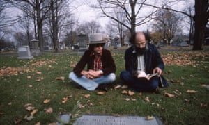 Bob Dylan with Allen Ginsberg at Jack Kerouac's grave in Rolling Thunder Revue.