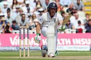Ian Bell takes the batting reins. COME ON!