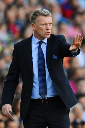 Real Sociedad's manager, David Moyes making substitutions