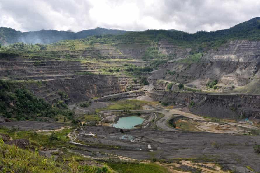 Mina Panguna a declanșat un război civil de zece ani în regiunea autonomă Bougainville din Papua Noua Guinee.