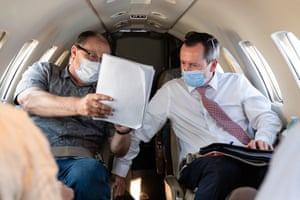 McGowan (right) with his chief of staff, Guy Houston, on a flight from Geraldton to Kalgoorlie.