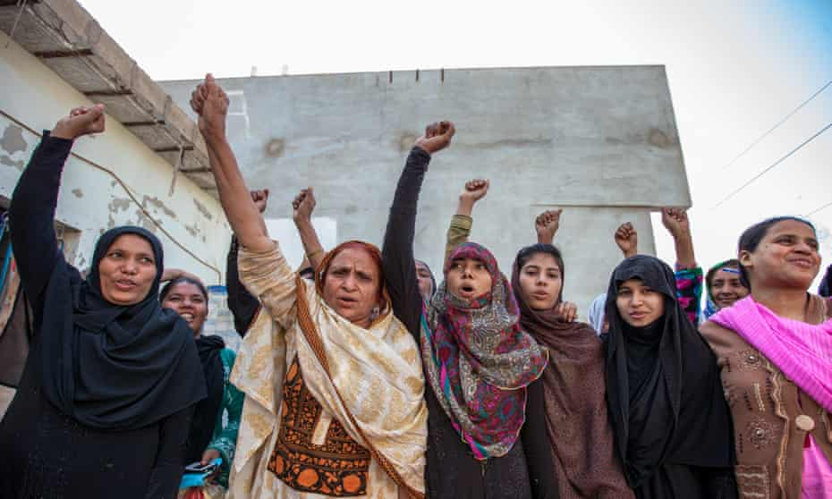 Women from the Home Based Women Workers Federation