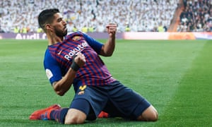 Luis Suárez of Barcelona celebrates after scoring his team's first goal during the Copa del Rey semi-final, second leg against Real Madrid.