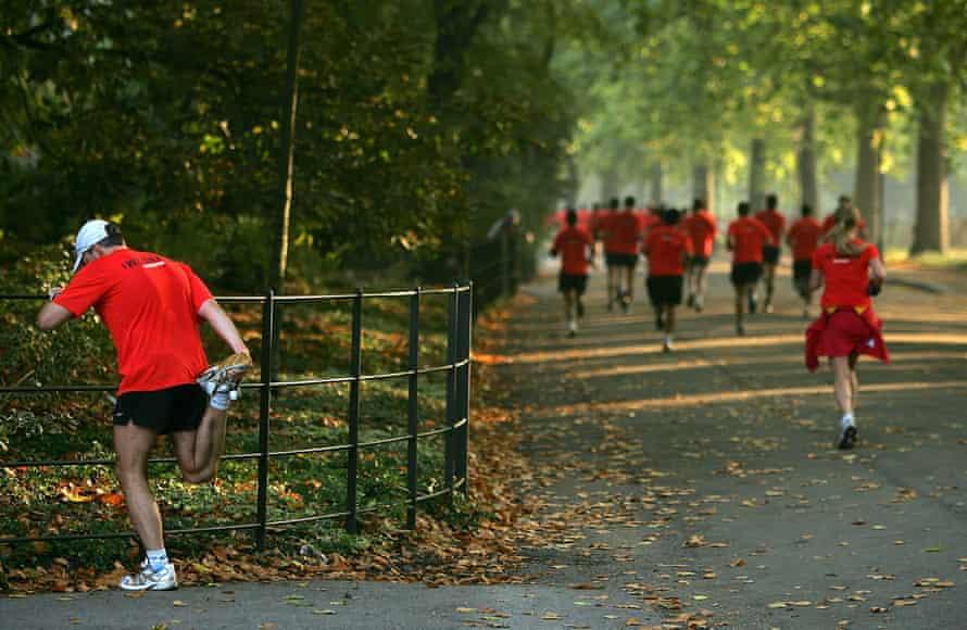 Runners in Battersea Park