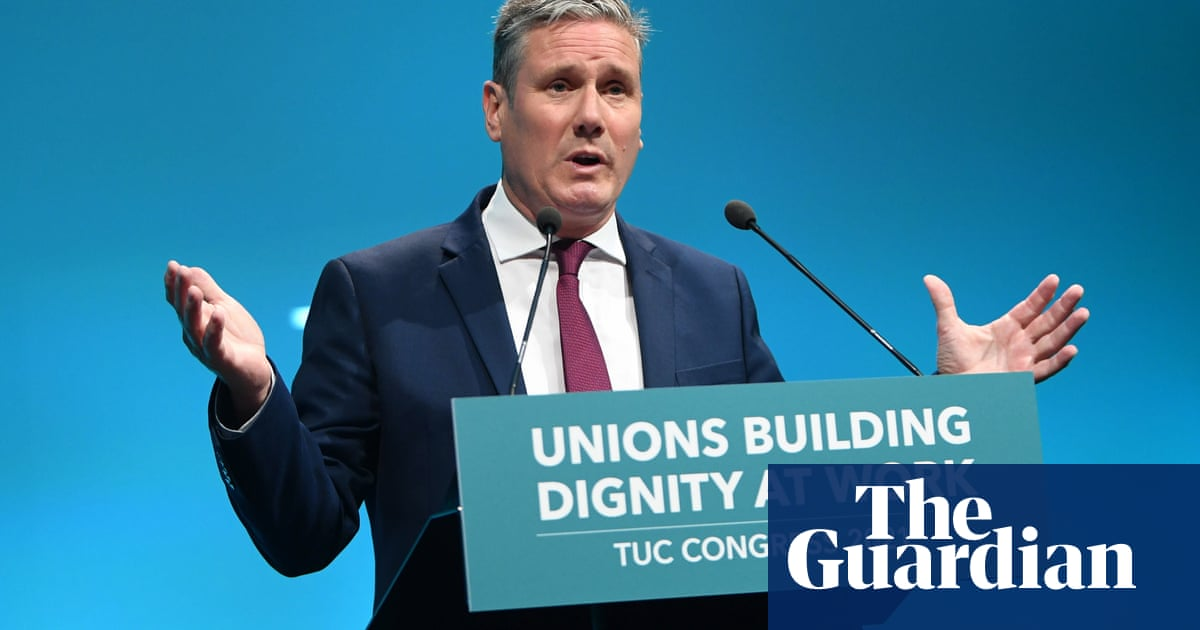 Keir Starmer recalls father's life as factory worker in TUC speech