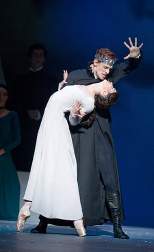 Edward Watson (Leontes) and Lauren Cuthbertson (Hermione) in The Winter's Tale.
