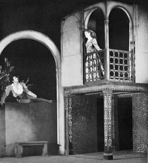 Laurence Olivier and Peggy Ashcroft perform the balcony scene in John Gielgud's production at the New Theatre, London, in 1935.