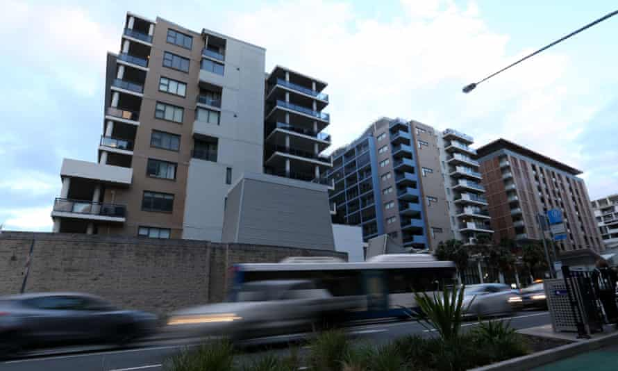 Residents of the Mascot Towers in Sydney were evacuated on 14 June after cracks were discovered in the building.