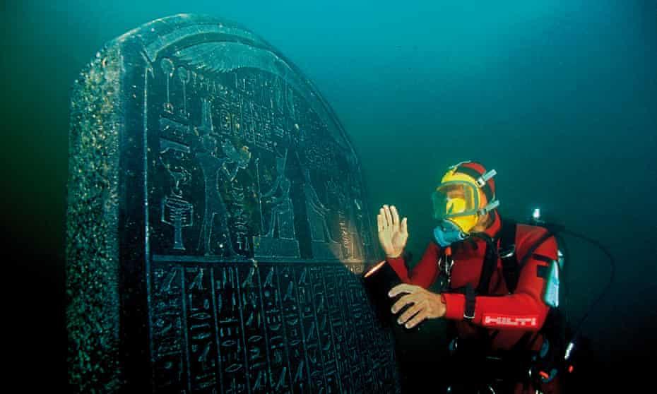 Decree of Sais stele under water.