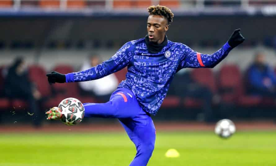 Tammy Abraham warms up before the first leg against Atlético Madrid in the Champions League last 16