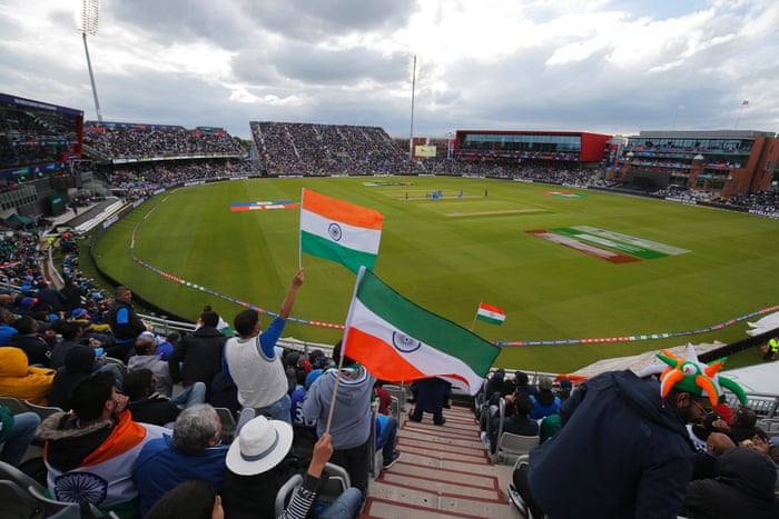 India and Pakistan fans give Old Trafford a taste of true