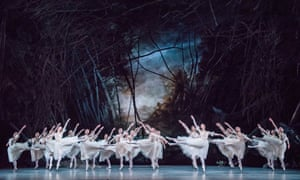 The Royal Ballet corps in Giselle.