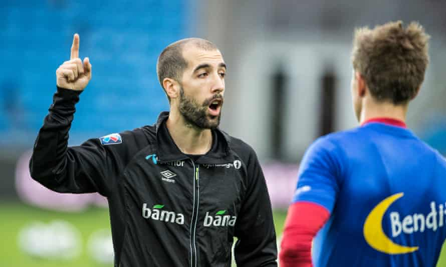 Martin Foyston talks to Morten Gamst Pedersen in his role as Norway's assistant manager.