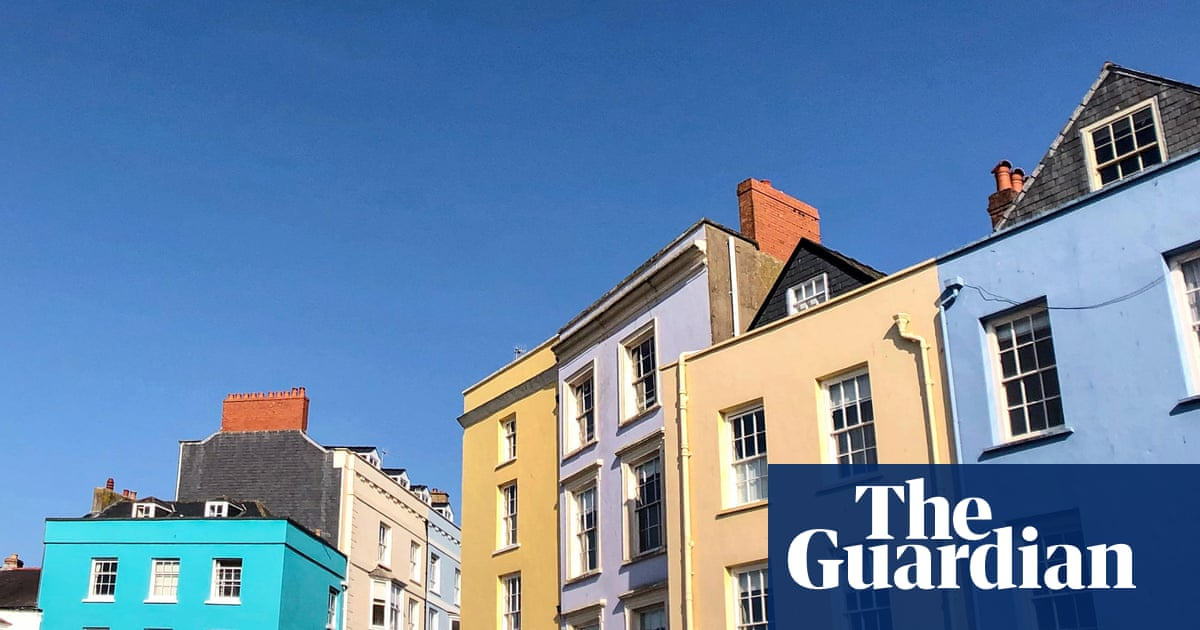 UK mortgage price war hots up with 0.94% fixed-rate deal