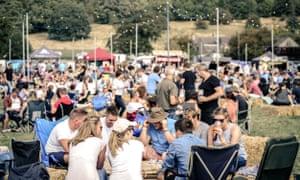 Festivalgoers at Thornbridge Peakender