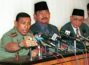 General Wiranto, left, the coordinating minister for public security, Faisal Tanjung, and Indonesia's foreign affairs minister, Ali Alatas, in September 1999.