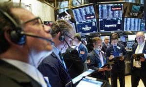 交易员在纽约证券交易所