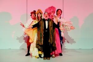 Robert Menzies, Esther Hannaford, Glenn Hazeldine, Katherine Tonkin and Sean Kennan in Così