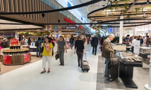 'A ghost town': retail business in Australian airports in lockdown limbo