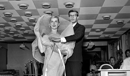 Yves Saint Laurent styles Tessa Beaumont, 1959.