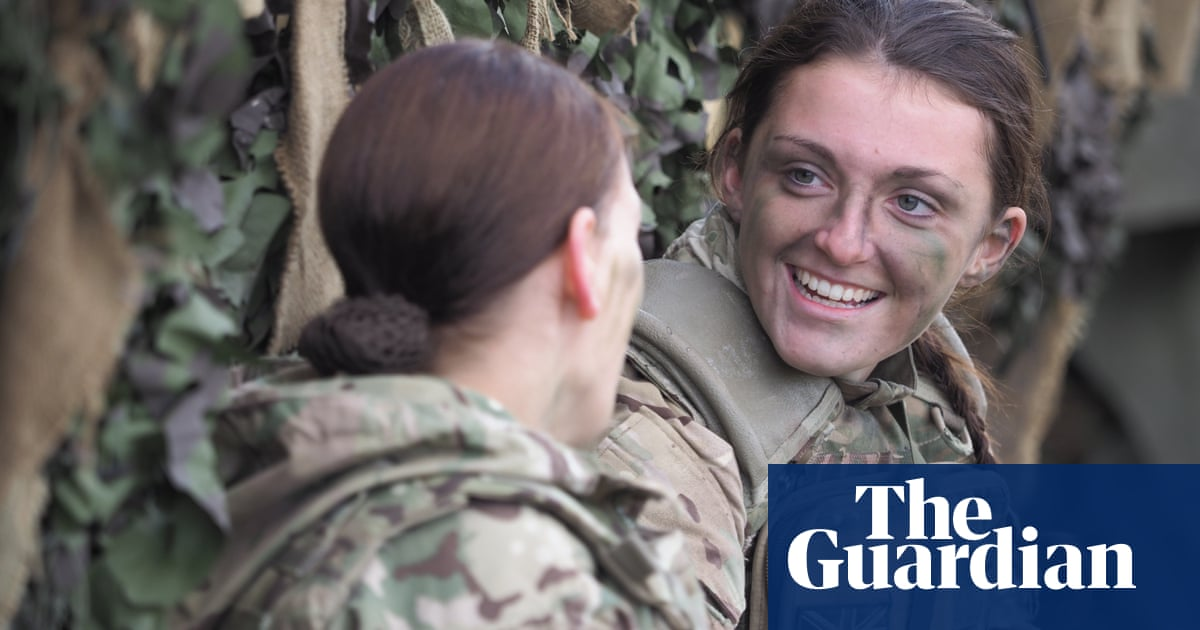 All roles in UK military to be open to women, Williamson announces