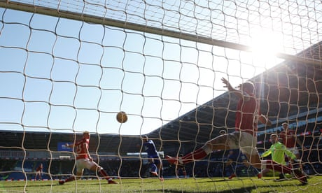 Cardiff close gap on Wolves after Kenneth Zohore sinks Bristol City