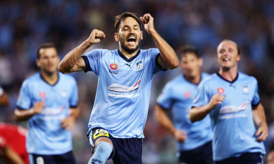 Milos Ninkovic of Sydney FC celebrates