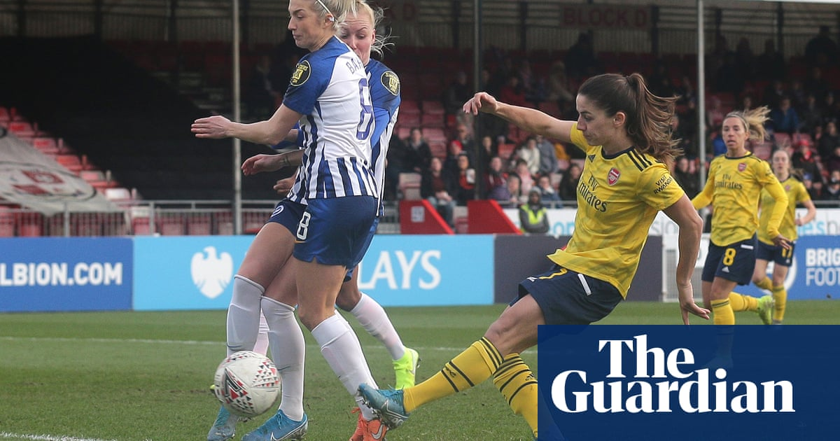 Van de Donk sets tone as Arsenal move clear at top of WSL with rout of Brighton