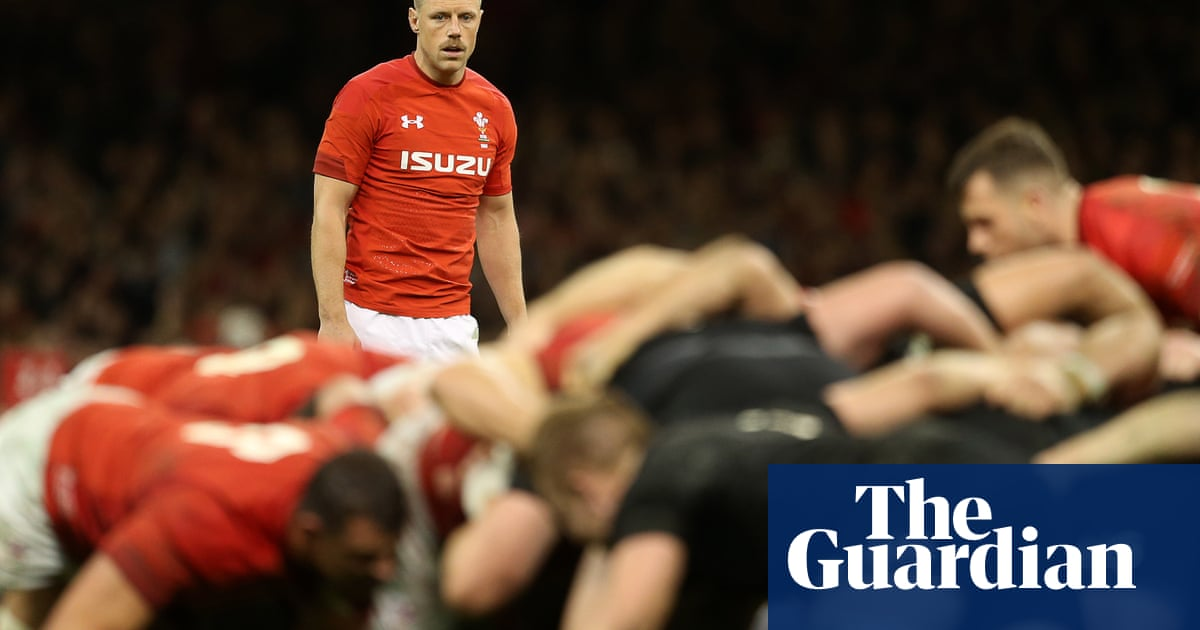 Pivac blocked from selecting Rhys Priestland for Wales Six Nations squad