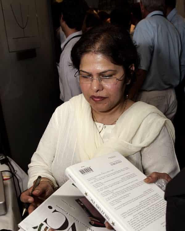 Ayesha Siddiqa, signing her book Military Inc.