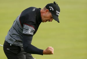 Stenson reacts after making birdie on the 15th.