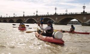 Bordeaux Canoe on the Garonne River in Bordeaux