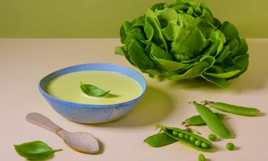 Pea and lettuce soup.