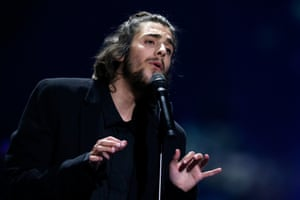 Salvador Sobral performs Amar Pelos Dois to win for Portugal.