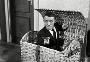 Kenny Baker in 1962 TV series Man of the World